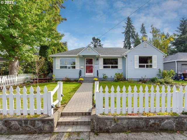 145 Ipswich St, Gladstone, OR 97027 (MLS #21392053) :: Song Real Estate