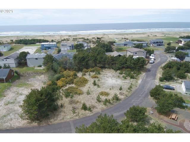 32103 G Pl, Ocean Park, WA 98640 (MLS #21393059) :: Stellar Realty Northwest