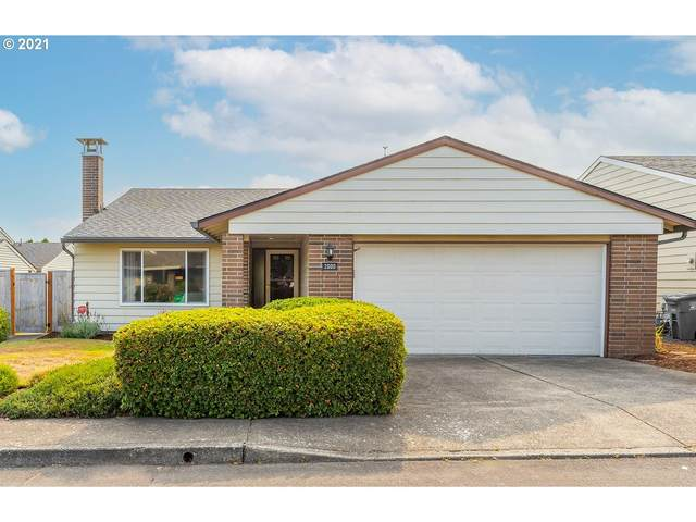 2000 NE 148TH Pl, Portland, OR 97230 (MLS #21393633) :: Lux Properties
