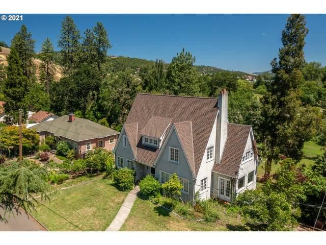 453 W Riverside Dr, Roseburg, OR 97470 (MLS #21396102) :: McKillion Real Estate Group