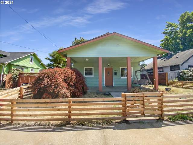 3003 N St, Vancouver, WA 98663 (MLS #21399348) :: Next Home Realty Connection