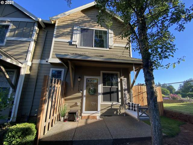 38438 Galway St, Sandy, OR 97055 (MLS #21400451) :: McKillion Real Estate Group