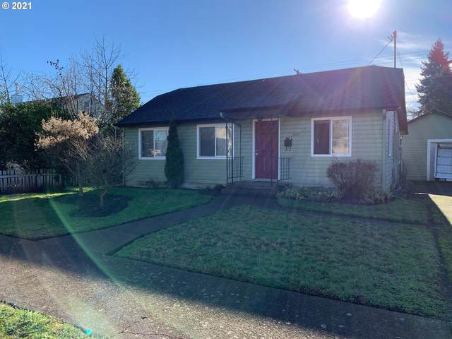1437 E St, Springfield, OR 97477 (MLS #21401798) :: The Haas Real Estate Team