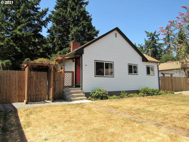 135 N 8TH St, St. Helens, OR 97051 (MLS #21402314) :: Next Home Realty Connection