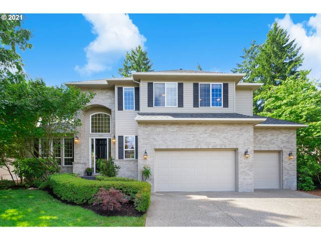5024 Dogwood Dr, Lake Oswego, OR 97035 (MLS #21403199) :: The Pacific Group