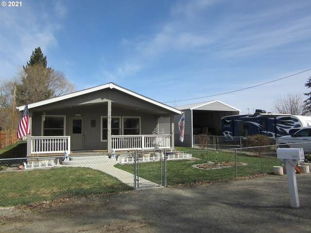 2010 15TH St, Baker City, OR 97814 (MLS #21407825) :: The Pacific Group