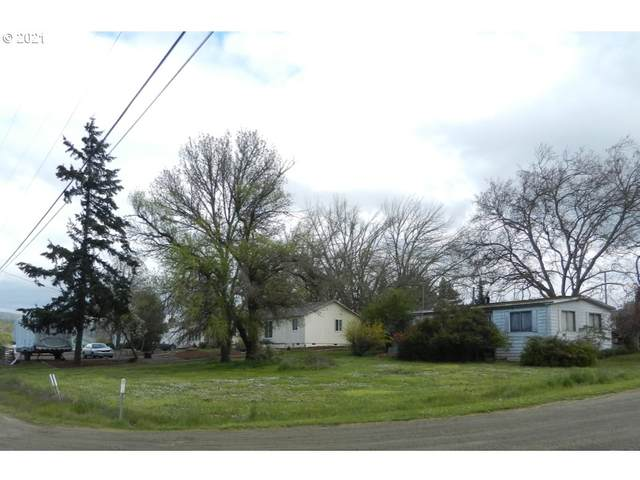 1000 Little Valley Rd, Roseburg, OR 97471 (MLS #21408182) :: Townsend Jarvis Group Real Estate