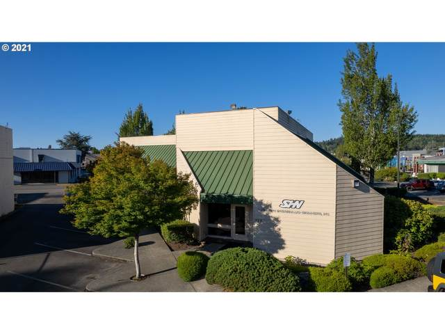 276 Commercial Ave, Coos Bay, OR 97420 (MLS #21410367) :: Townsend Jarvis Group Real Estate