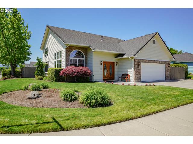 679 White Oak Ave, Central Point, OR 97502 (MLS #21411376) :: Change Realty