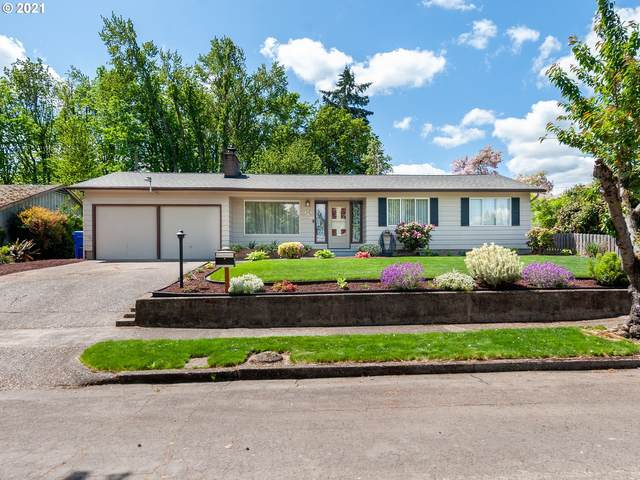 1240 Windsor Dr, Gladstone, OR 97027 (MLS #21412778) :: Fox Real Estate Group
