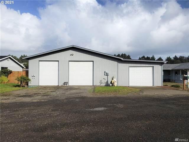 32708 H Pl, Ocean Park, WA 98640 (MLS #21412964) :: Premiere Property Group LLC