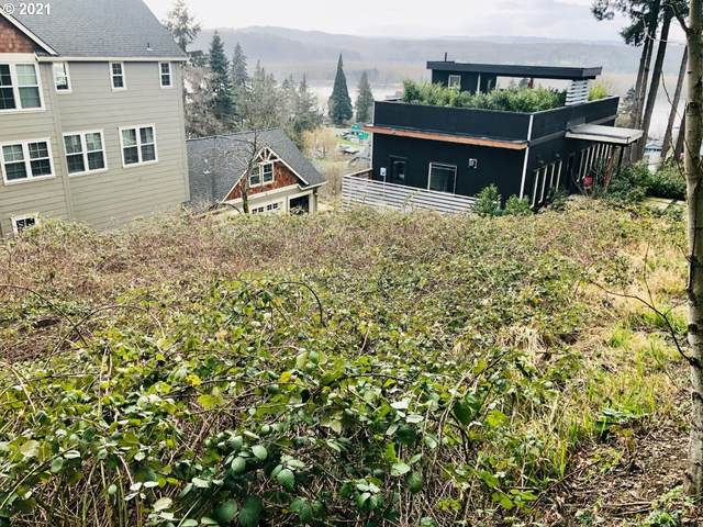 583 N 5TH St, Kalama, WA 98625 (MLS #21413972) :: Song Real Estate
