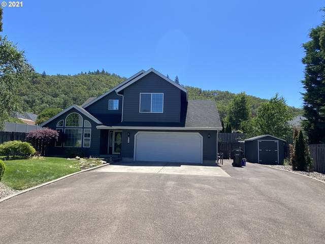 130 Raechelle Ct, Winchester, OR 97495 (MLS #21422948) :: Cano Real Estate
