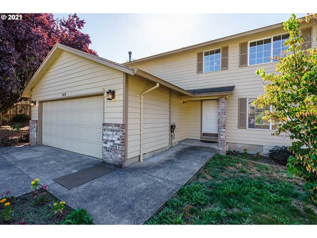202 NW 8TH Ct, Hillsboro, OR 97124 (MLS #21425430) :: Real Tour Property Group