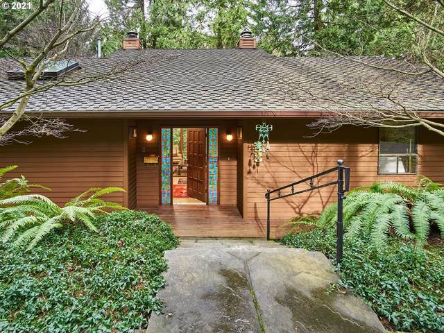 2530 SW Sherwood Dr, Portland, OR 97201 (MLS #21426549) :: McKillion Real Estate Group