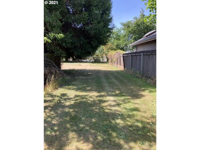 Park Ave, Eugene, OR 97404 (MLS #21431731) :: Real Tour Property Group