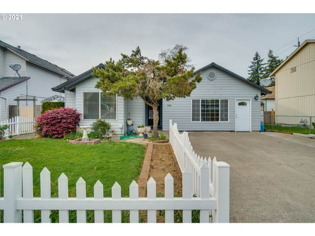 3859 SE 136TH Ave, Portland, OR 97236 (MLS #21436242) :: Song Real Estate
