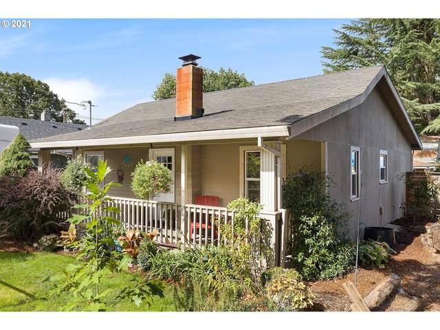6511 SE Overland St, Milwaukie, OR 97222 (MLS #21441048) :: Fox Real Estate Group