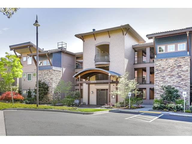 5905 SE Columbia Way #101, Vancouver, WA 98661 (MLS #21442785) :: Real Tour Property Group