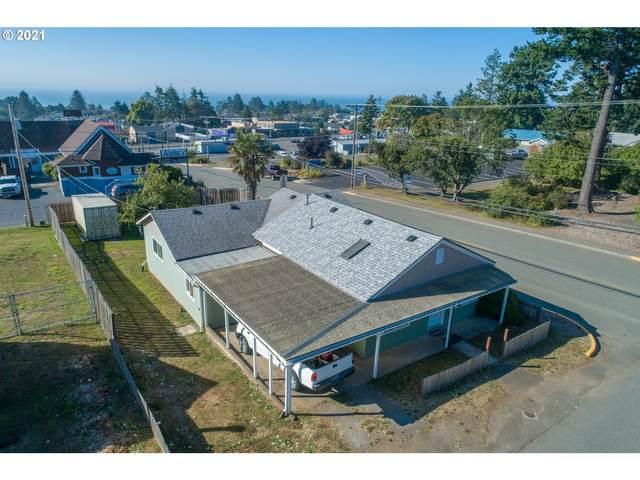 453 Pine St, Brookings, OR 97415 (MLS #21444561) :: Townsend Jarvis Group Real Estate