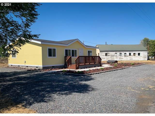 53290 Third St, Silver Lake, OR 97638 (MLS #21445973) :: Windermere Crest Realty