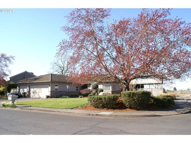 305 Mclaughlin Dr, Woodburn, OR 97071 (MLS #21447108) :: Next Home Realty Connection