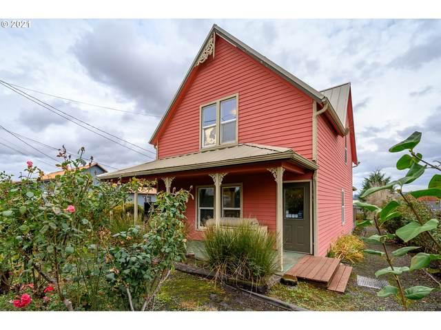 310 S Pine St, Carlton, OR 97111 (MLS #21449697) :: Fox Real Estate Group
