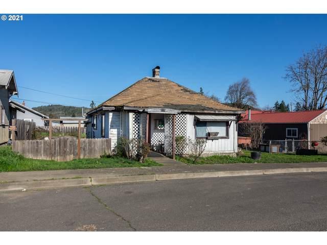 139 R St, Riddle, OR 97469 (MLS #21456659) :: Holdhusen Real Estate Group