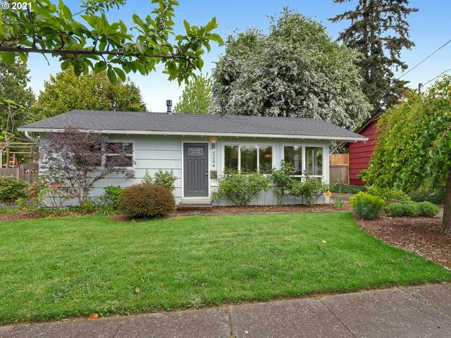 9244 N Allegheny Ave, Portland, OR 97203 (MLS #21457336) :: Holdhusen Real Estate Group