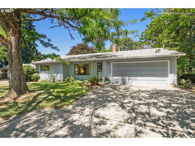 795 NW Forest St, Hillsboro, OR 97124 (MLS #21458670) :: McKillion Real Estate Group