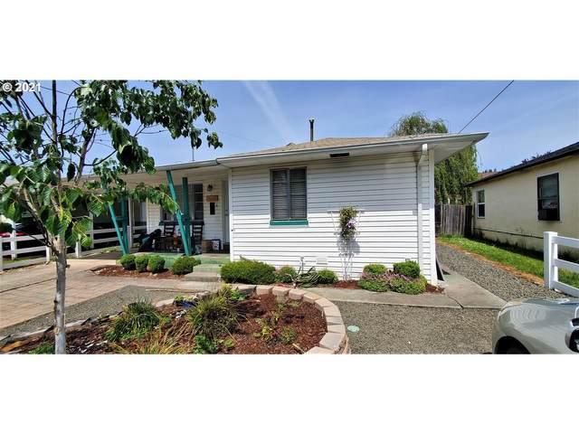 2694 NE Douglas Ave, Roseburg, OR 97470 (MLS #21459586) :: Fox Real Estate Group