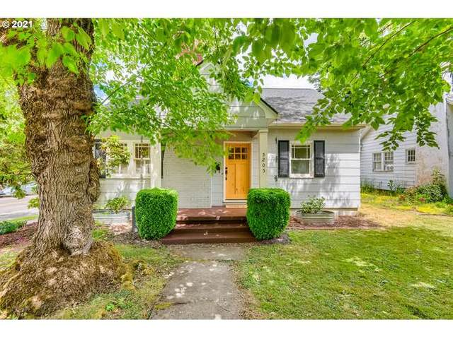 5205 SE Taggart Ct, Portland, OR 97206 (MLS #21462519) :: Song Real Estate