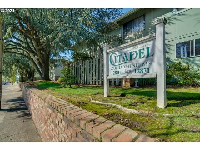 12817 SE Stark St A9, Portland, OR 97233 (MLS #21465389) :: Fox Real Estate Group