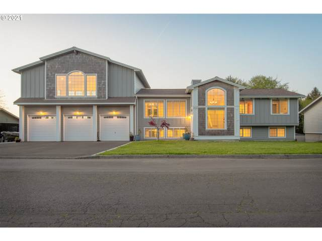 2042 Cedar St, Seaside, OR 97138 (MLS #21470407) :: Premiere Property Group LLC