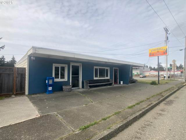 1825 Oregon St, Port Orford, OR 97465 (MLS #21474196) :: Beach Loop Realty