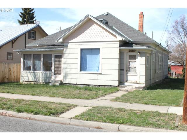 2680 Court Ave, Baker City, OR 97814 (MLS #21475432) :: Song Real Estate