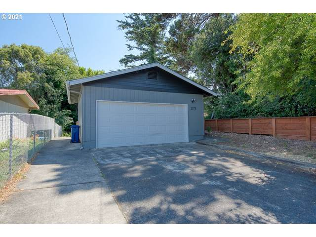 2375 State, North Bend, OR 97459 (MLS #21476218) :: Duncan Real Estate Group