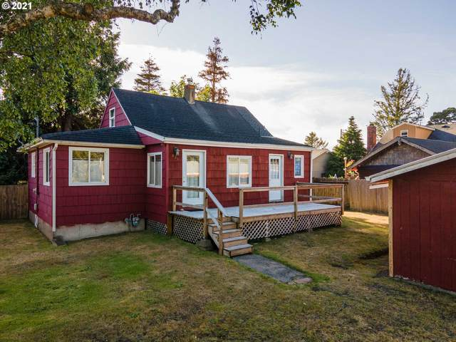 826 14th Ave, Seaside, OR 97138 (MLS #21476297) :: The Pacific Group