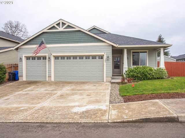 100 NE Megan Dr, Estacada, OR 97023 (MLS #21479471) :: Brantley Christianson Real Estate