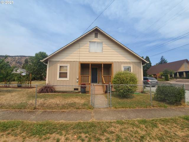 535 NE Broadway St, Myrtle Creek, OR 97457 (MLS #21480190) :: Stellar Realty Northwest