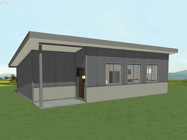 810 SW 1ST St, Winlock, WA 98596 (MLS #21482112) :: Premiere Property Group LLC