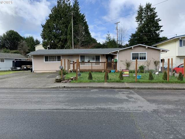 736 Scott St, Reedsport, OR 97467 (MLS #21483427) :: Beach Loop Realty