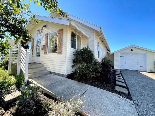 712 Laurel Ave, Tillamook, OR 97141 (MLS #21484253) :: Townsend Jarvis Group Real Estate