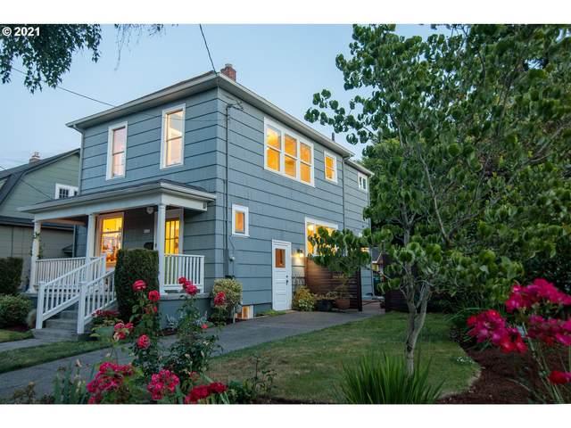 1636 SE Marion St, Portland, OR 97202 (MLS #21484794) :: McKillion Real Estate Group
