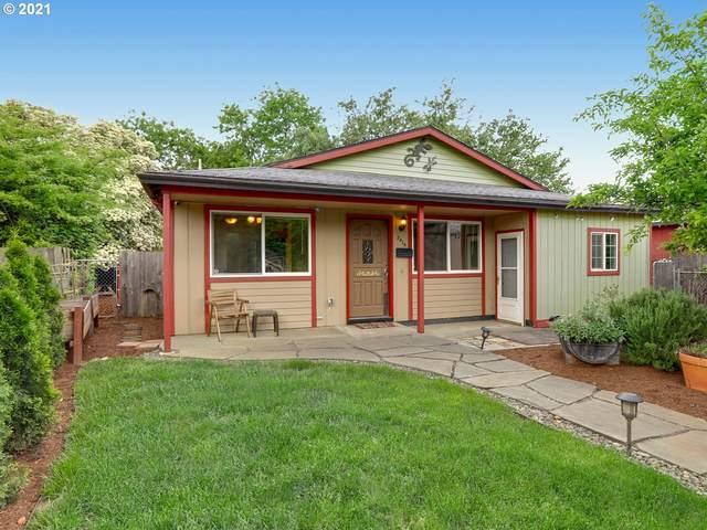 2415 NE Saratoga St, Portland, OR 97211 (MLS #21484931) :: Premiere Property Group LLC