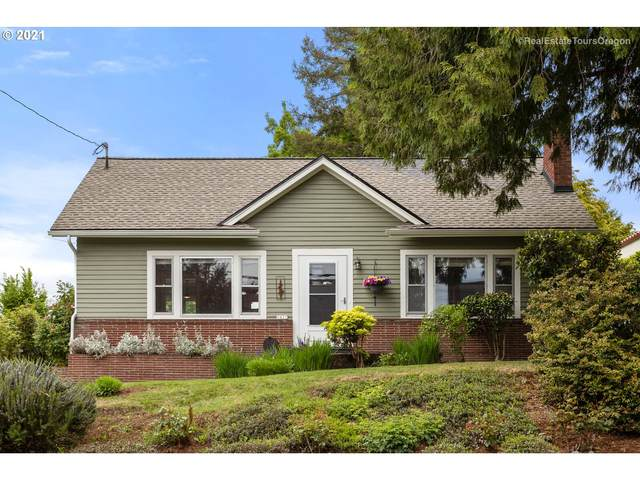 2827 NE 30TH Ave, Portland, OR 97212 (MLS #21494142) :: Change Realty