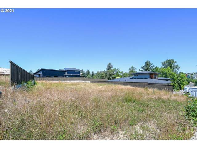 647 NW Dawson Ridge Dr, Camas, WA 98607 (MLS #21500383) :: Beach Loop Realty