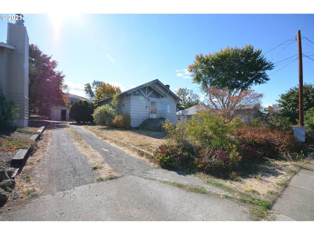 2302 E 10TH St, The Dalles, OR 97058 (MLS #21503787) :: Premiere Property Group LLC