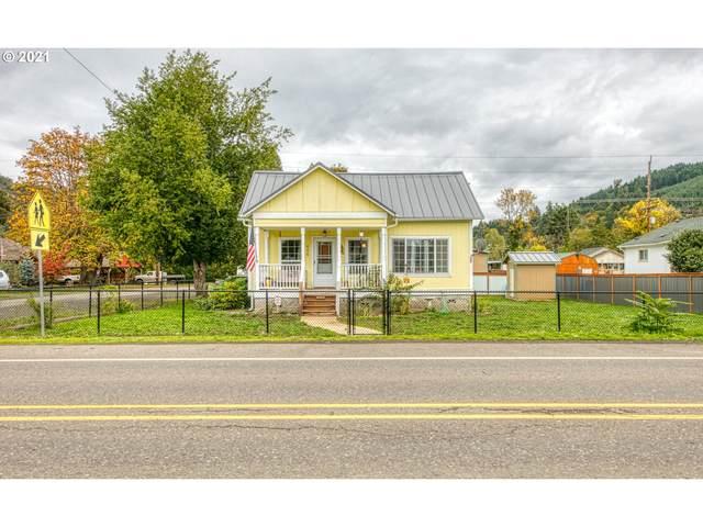 406 S Cedar St, Drain, OR 97435 (MLS #21506255) :: Holdhusen Real Estate Group