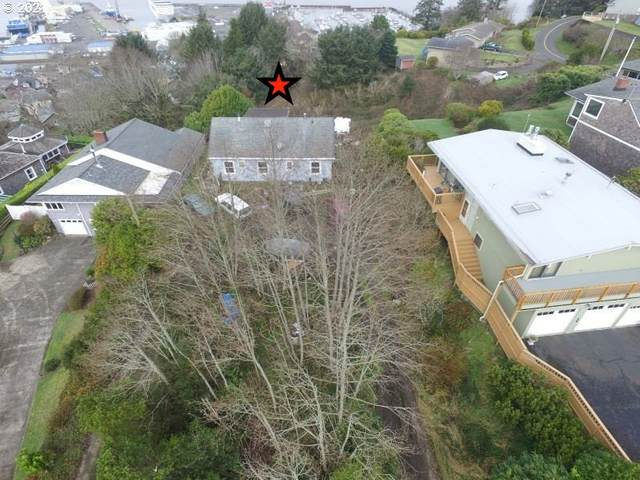 450 W Lexington Ave, Astoria, OR 97103 (MLS #21507902) :: Change Realty